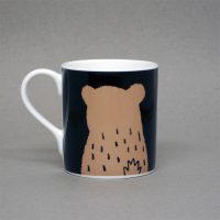 art_gallery_alnmouth_northumberland_bear_mug_lisajonesstudio_homeware_illustration_kitchenware